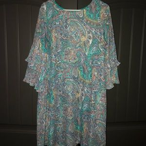 Beautiful paisley dress. Excellent condition.